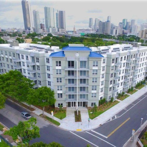 West Town Apartments: Southeast Overtown / Park West